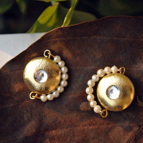 Golden Crescent Earstuds (ACE060)