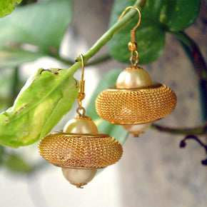 Golden UFO Earrings (ACE078)