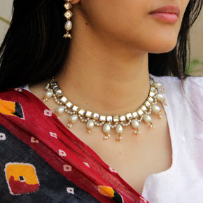Kundan And Drop Pearl Necklace Set (ACN038)