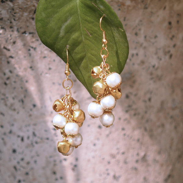 Pearl And Ghungroo Earrings (ACE165)