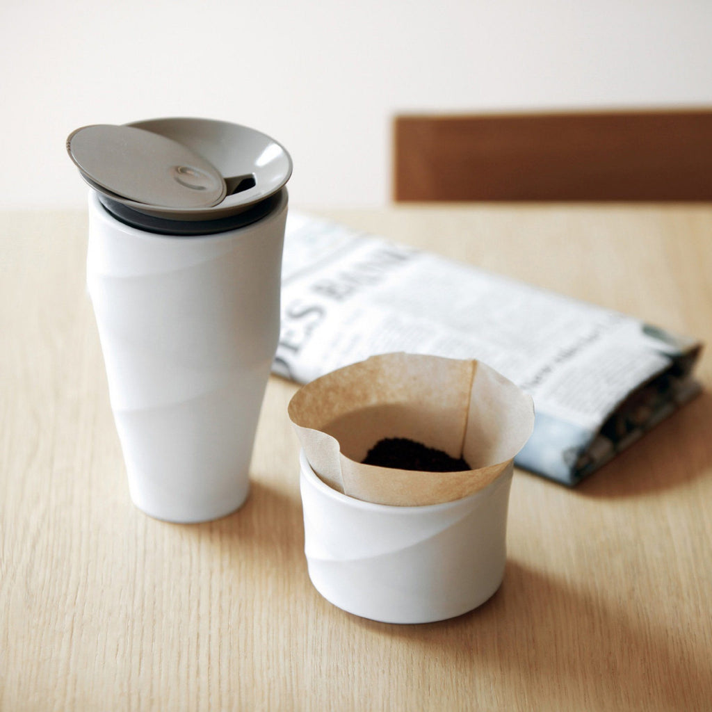 "Toast Living ""Wave Tumbler"" Kaffeebecher To Go mit Filter. Porzellan- Handcraft Coffee"