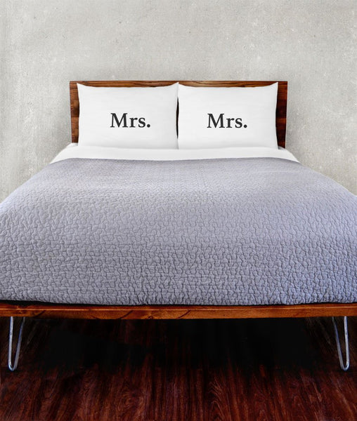 Mrs. & Mrs. Pillowcase Set