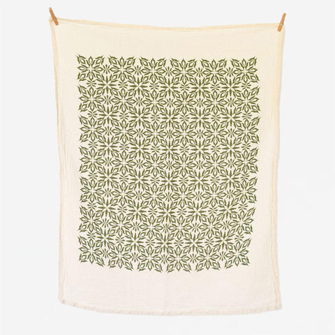 Woodblock Nettles Towel, Green