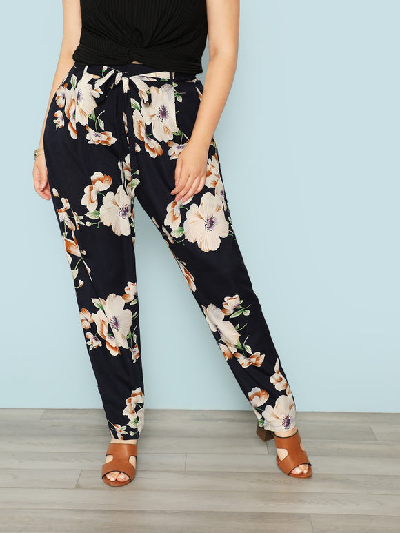 Plus Pocket Side Floral Pants with Belt