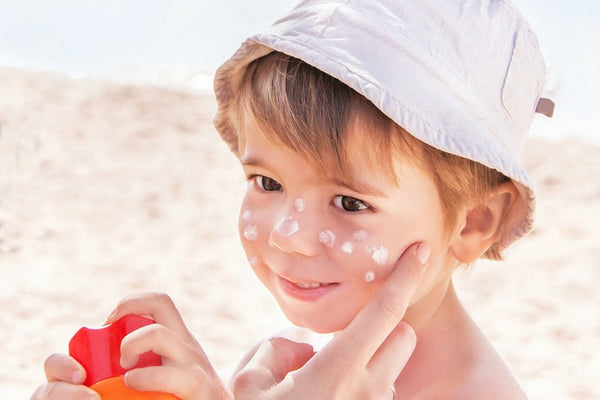 The Do's and Don'ts of Sunscreen for Babies and Kids