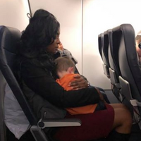 Struggling Mom Flying With 2 Kids Gets Help From Other Moms