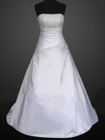 WHITE/IVORY BEADED SWEETHEART NECKLINE WEDDING DRESS A-LINE