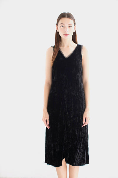 20.3.10 Velvet Sleeveless Shift Dress/ Black