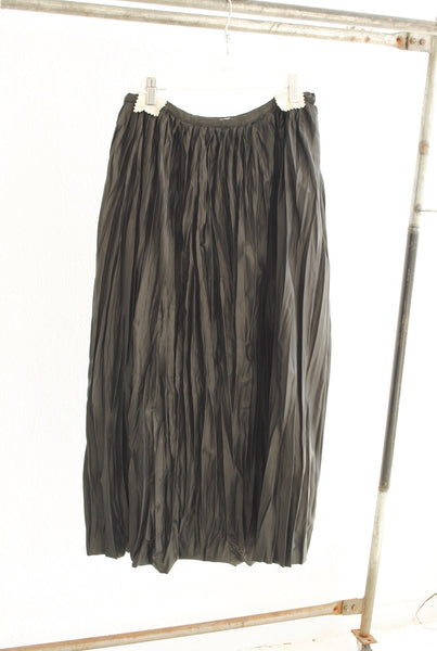19.4.06 Double Pleated Skirt