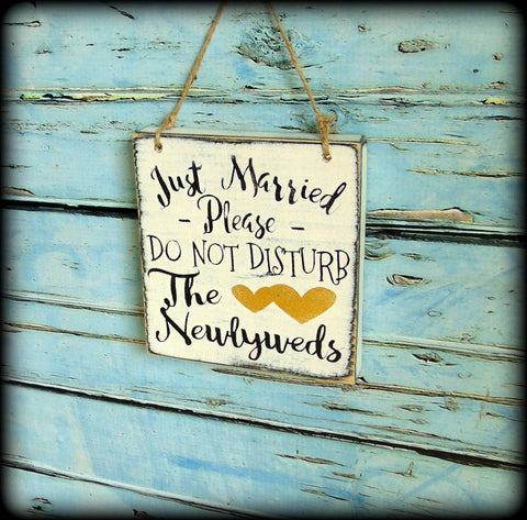 destination wedding sign just married please do not disturb the
