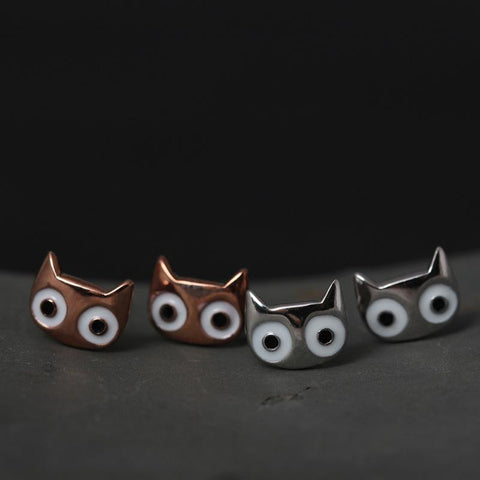 Image of Big Cat Eyes Stud Earrings - I Love Cat Socks