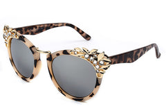 Cat Eye With Crystal Design Sunglasses
