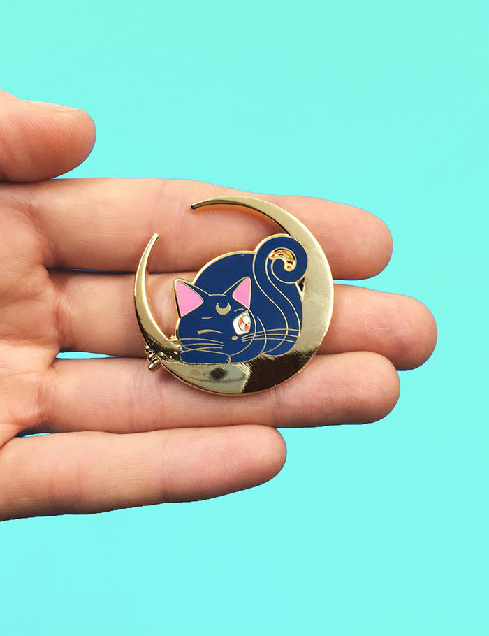 LUNAPS LIMITED EDITION PIN