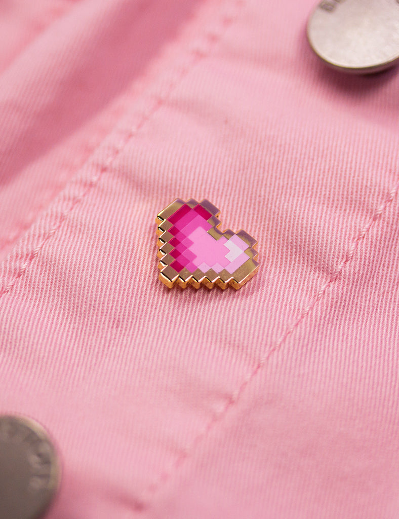 PINK PIXEL HEART PIN