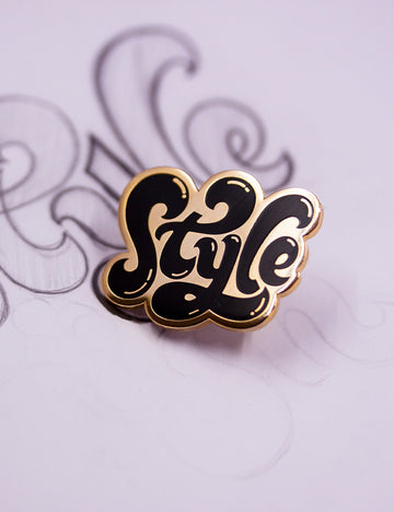 STYLE PIN - Black & Gold