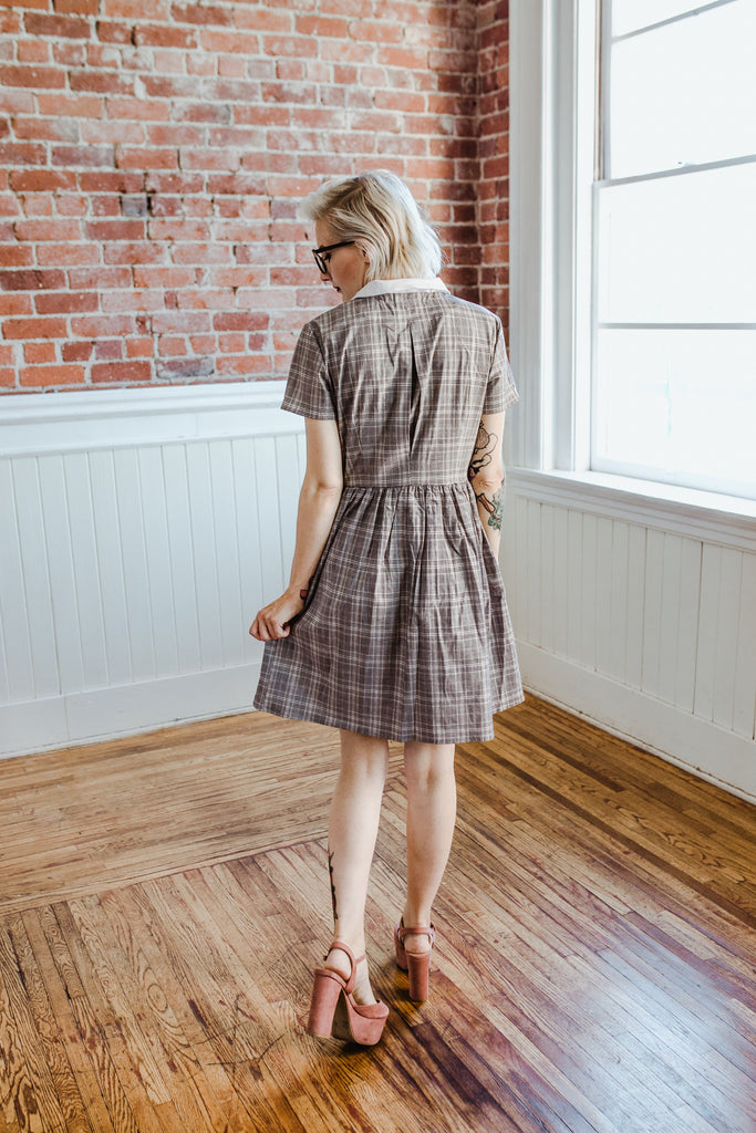ACADEMY - Gray plaid cotton shirtdress with removable white collar and short sleeves