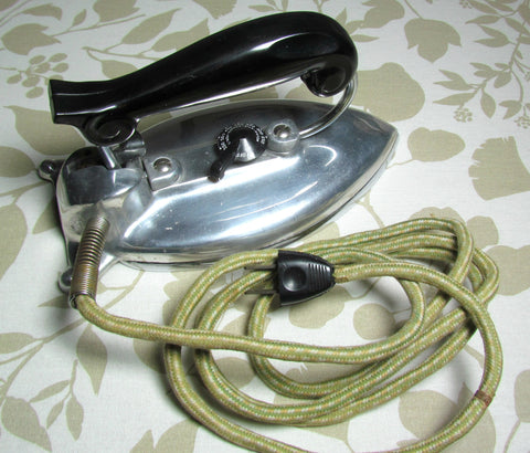 Mid Century Vintage Featherline Folding Handle Travel Iron - Attic and Barn Treasures