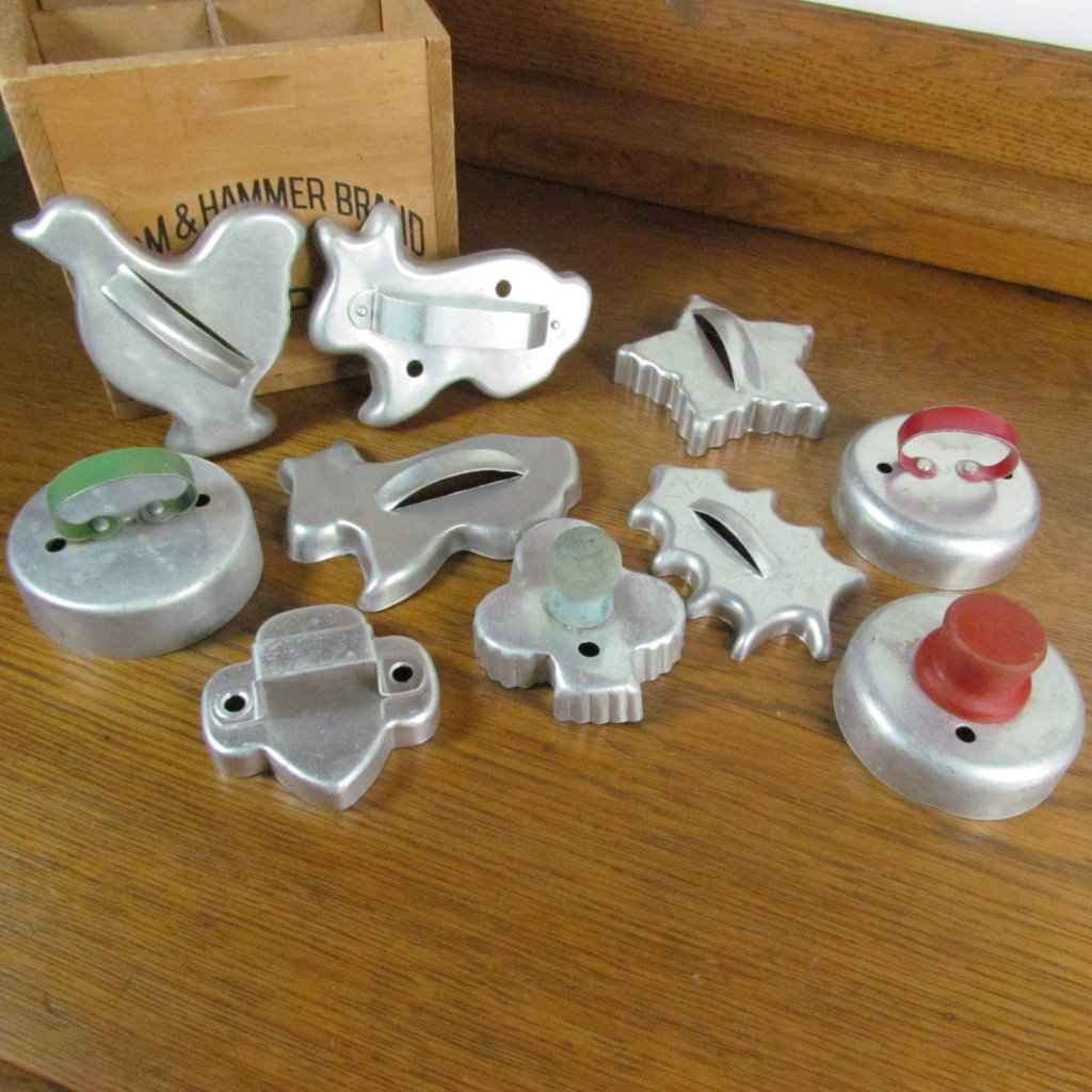 Vintage Tin Cookie and Biscuit Cutters Set of 10 - Attic and Barn Treasures