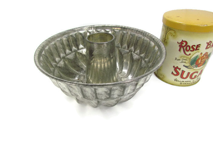Vintage Metal Kaiser Kuglehopf Bundt or Aspic Pan - Attic and Barn Treasures