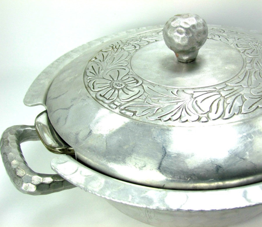 Vintage Aluminum Everlast Casserole with Pyrex Insert - Attic and Barn Treasures