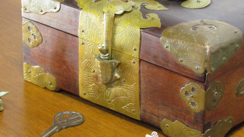 Vintage Wood Keepsake Box with Brass Turtle Latch and Overlay Jewelry Chest - Attic and Barn Treasures