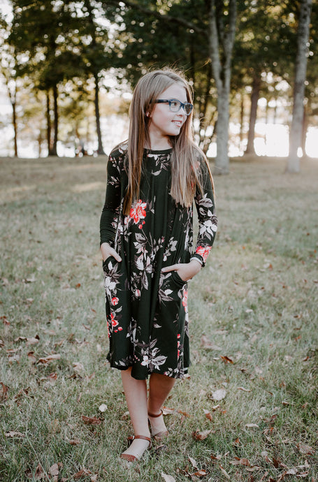 Chloe Dress in hunter green for tweens