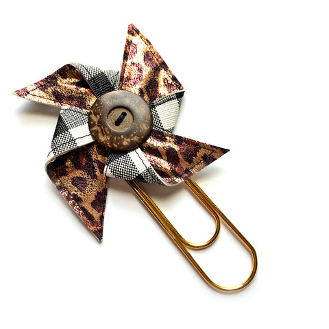 Buffalo Plaid & Metallic Leopard Giant Pinwheel Clip