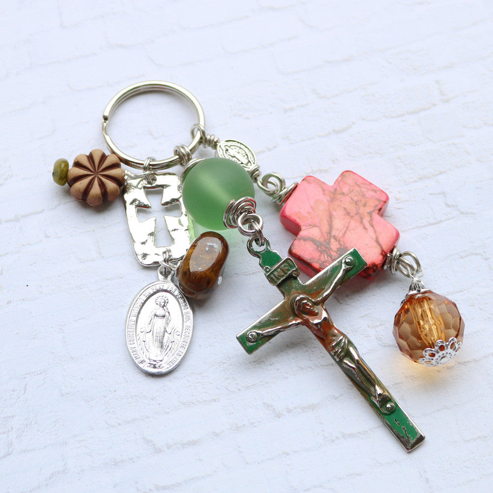 Cross Key Ring - Green/Coral