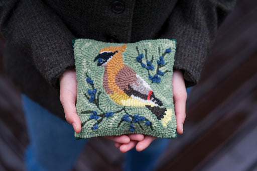 Cedar Waxwing Hooked Pillow Kit