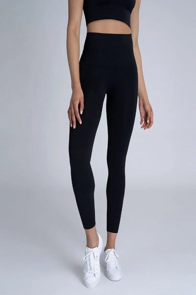 Spanx Look At Me Now Cropped Leggings: Very Black