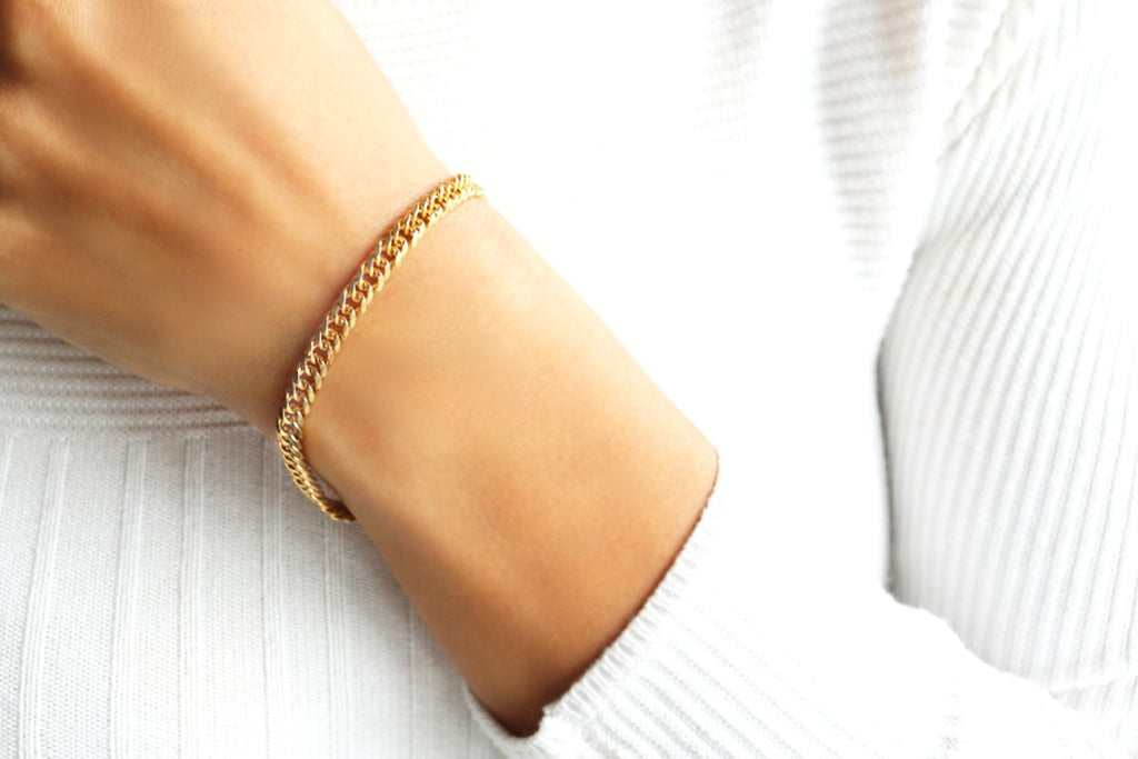 Camille Jewelry- Ares collection-  Soft curb gold link chain bracelet. Toggle bar closure. Free shipping