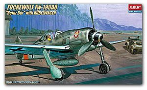 ACADEMY 2213 Fw190A-8 fighter and ground contact car