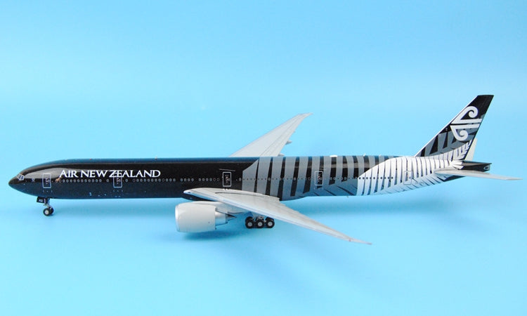 Special: JC Wings XX2943 New Zealand Airlines B777-300 ER ZK-OKQ all Black 1: 200