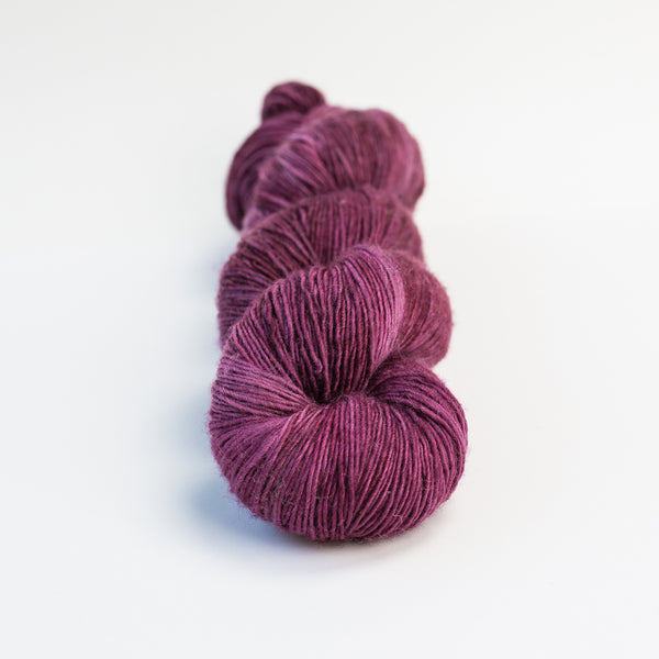 Blackberry Superwash Merino Fingering Single