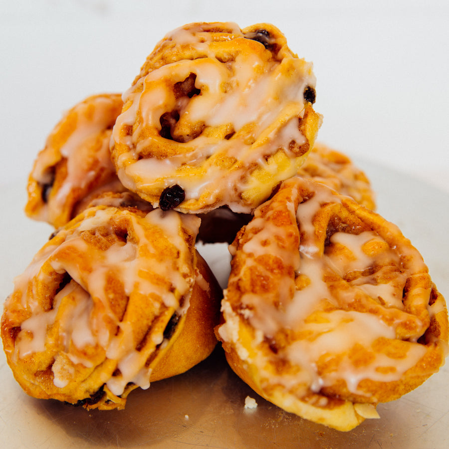 Cinnamon Raisin Bun (shipping)