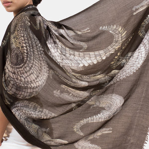 """CROCODILE"" HANDPRINTED SCARF - DARKBROWN"