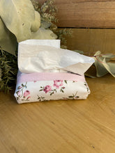 Load image into Gallery viewer, Pink roses tissue purse
