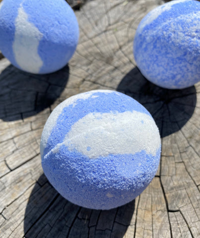 Blissful blue bathbomb