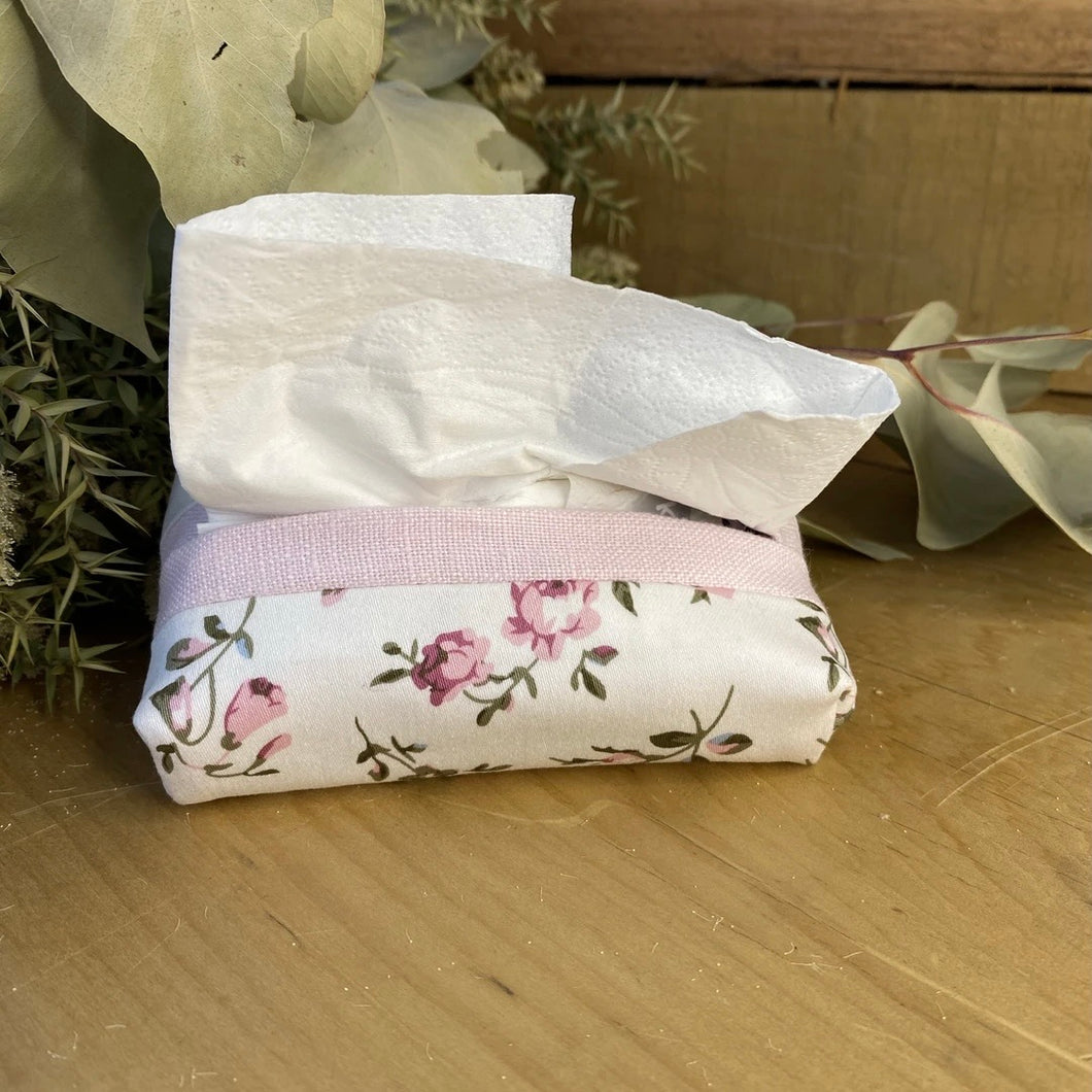Pink roses tissue purse