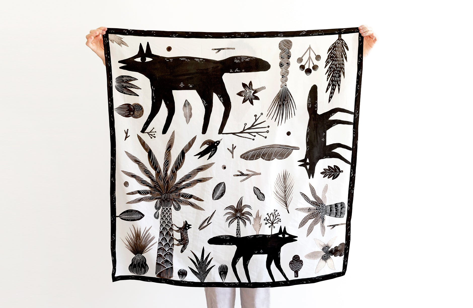 Wolves Scarf - 88x88 cm, Silk-Cotton Blends
