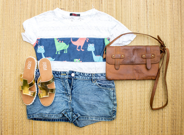 Make the sun jealous.. Beat the heat in PRESA CLASSY GOLDEN FLATS with denim shorts and a funky tee. - Presa