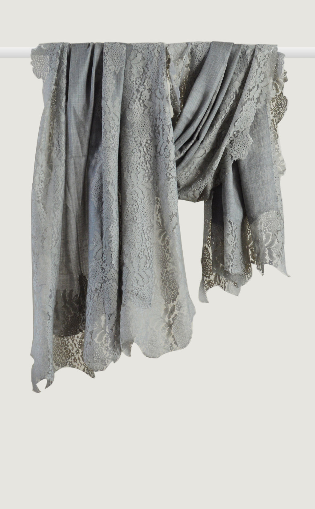 Vintage Grey Chantilly