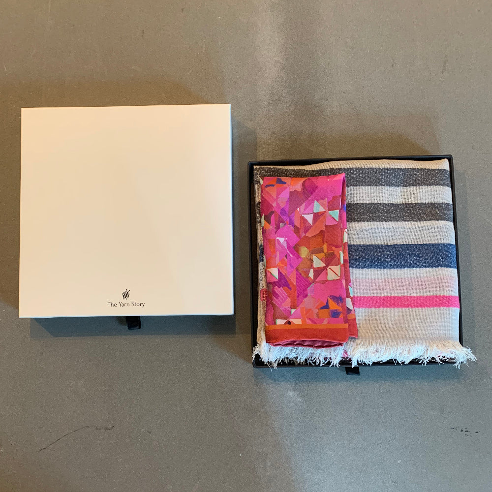 Abstract floral gift set