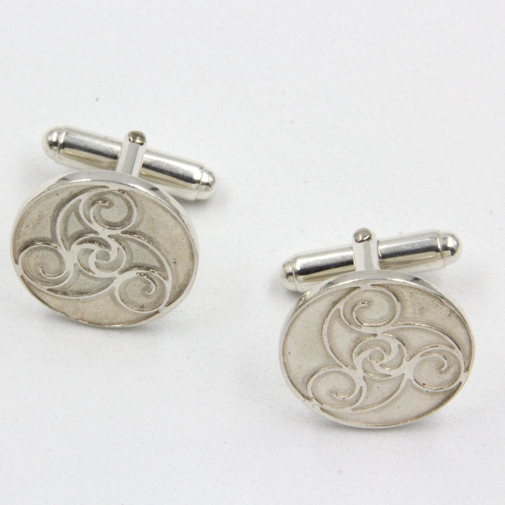 Sterling Silver Cufflinks with Bann Disc pattern - Robert Spotten