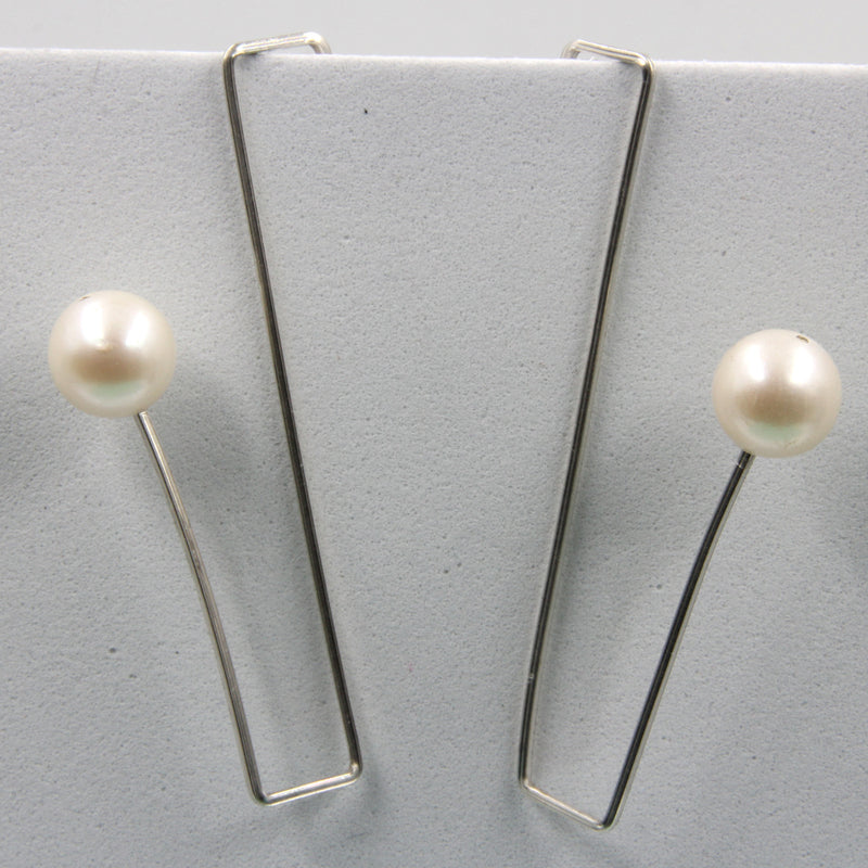 Sterling silver Wire Earrings with Natural Pearls