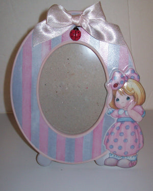 Precious Moments Picture Frame Girl - We Got Character