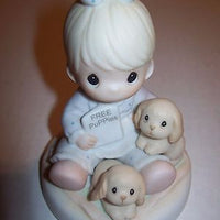 Precious Moments Figurine God Loves A Cheerful Giver-We Got Character