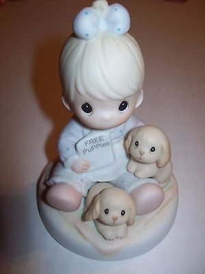 Precious Moments Figurine God Loves A Cheerful Giver - We Got Chaarcter