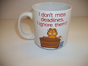 Garfield Coffee Cup By Enesco I Dont Miss Deadlines-We Got Character