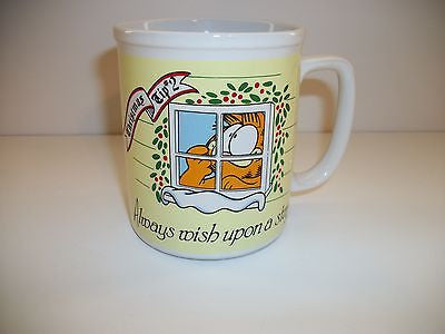 Garfield Coffee Cup Christmas Tip Two-We Got Character